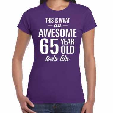 Awesome 65 year / verjaardag cadeau t-shirt paars voor dames kopen