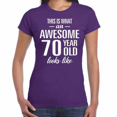 Awesome 70 year cadeau t-shirt paars voor dames kopen