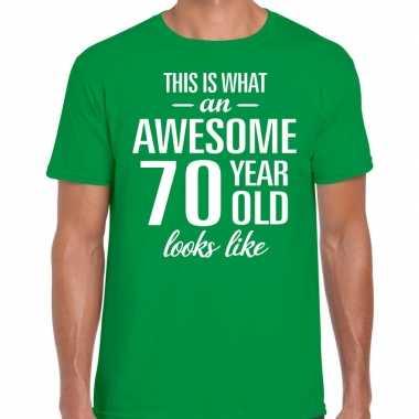 Awesome 70 year / verjaardag cadeau t-shirt groen voor heren kopen