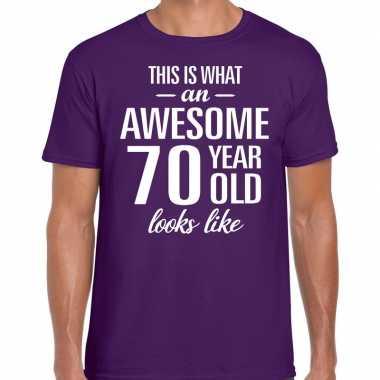 Awesome 70 year / verjaardag cadeau t-shirt paars voor heren kopen