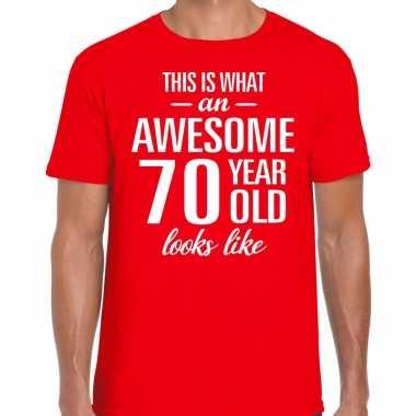 Awesome 70 year / verjaardag cadeau t-shirt rood voor heren kopen
