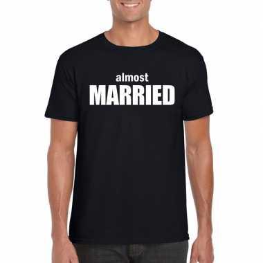 Vrijgezellenfeest almost married t-shirt zwart voor heren kopen