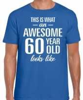 Awesome 60 year verjaardag cadeau t-shirt blauw voor heren kopen