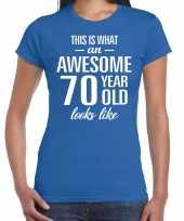 Awesome 70 year cadeau t-shirt blauw voor dames kopen