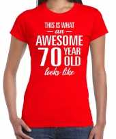 Awesome 70 year cadeau t-shirt rood voor dames kopen