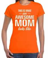 Awesome mom t-shirt oranje voor dames cadeau moeder kopen
