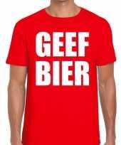 Geef bier fun t-shirt voor heren rood kopen