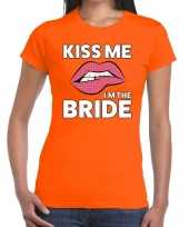 Kiss me i am the bride oranje fun t-shirt voor dames kopen