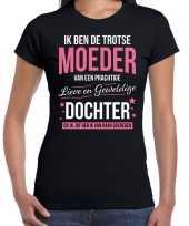 Moeder is trots op dochter fun kado shirt zwart voor dames kopen
