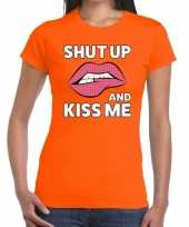 Shut up and kiss me oranje fun t-shirt voor dames kopen