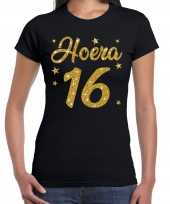 Zwart hoera 16 jaar verjaardag jubileum t-shirt voor dames met gouden glitter bedrukking kopen