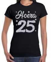 Zwart hoera 25 jaar verjaardag jubileum t-shirt voor dames met zilveren glitter bedrukking kopen