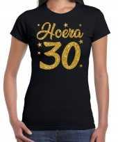 Zwart hoera 30 jaar verjaardag jubileum t-shirt voor dames met gouden glitter bedrukking kopen